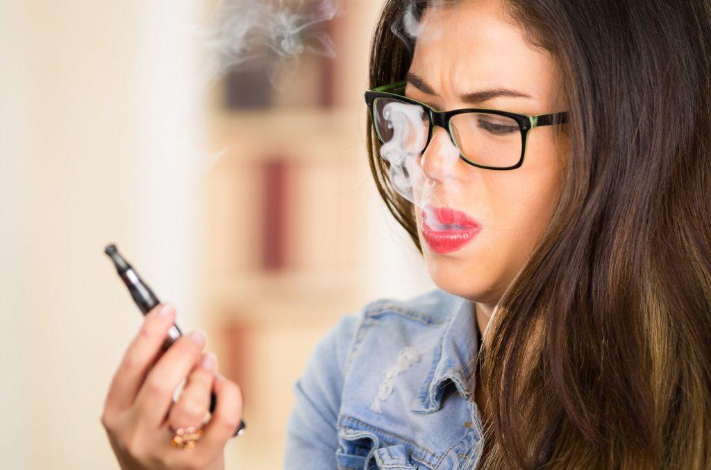 cigarette électronique interdite aux mineurs 18