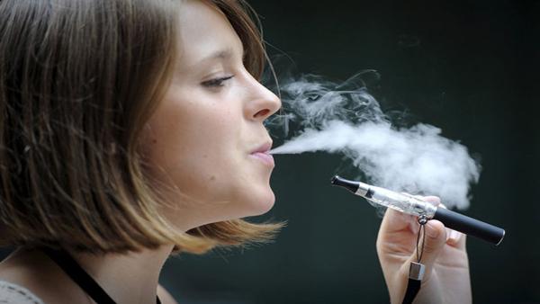 dangers de la e-cigarette consommateur